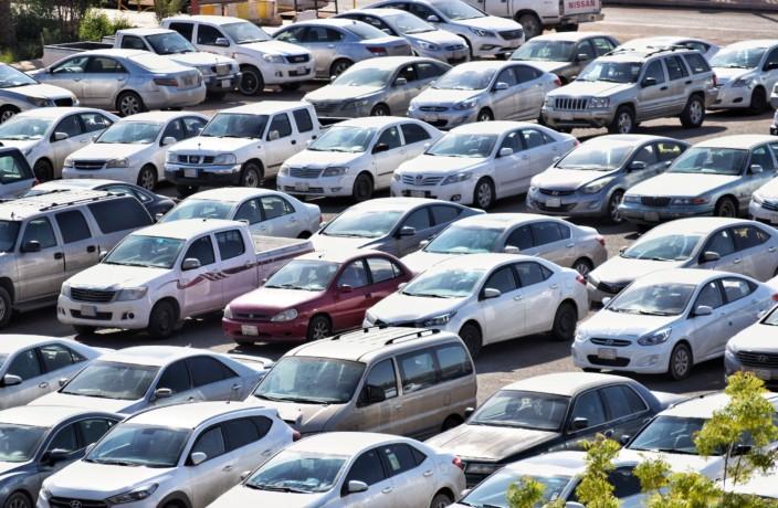 自動車ディーラーの生存戦略は販売から整備へ?